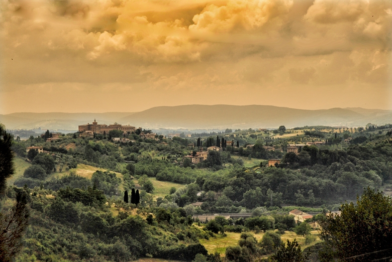 A view over the countryside of Siena