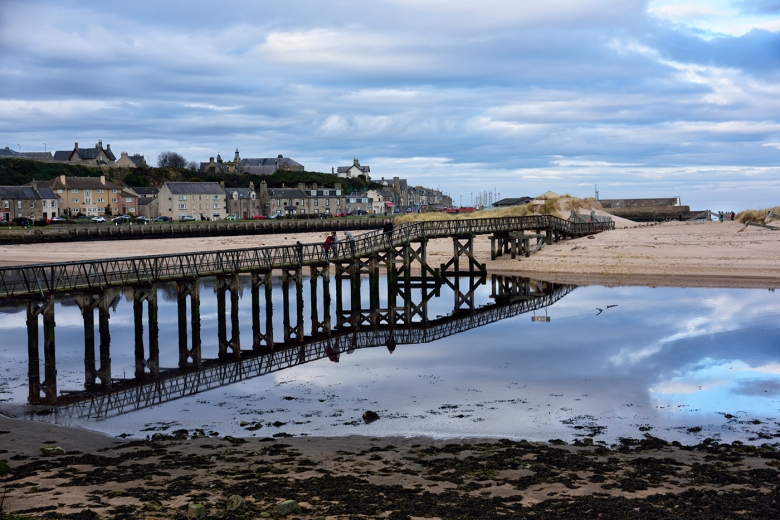 LOSSIEMOUTH. from the R iver Lossie estuary to the east of the town, with the bridge over the river to the sand dunes on the Muray Firth.