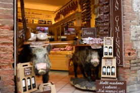 Scenes within the walled town of San Gimignano centre